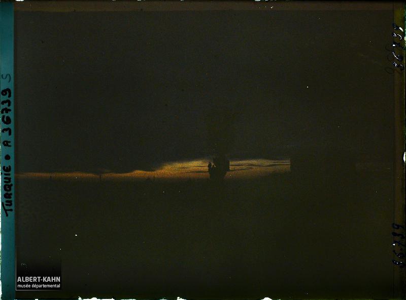 https://opendata.hauts-de-seine.fr/api/datasets/1.0/archives-de-la-planete/images/95ae2a9d42dca87097131afd4f33a2f1