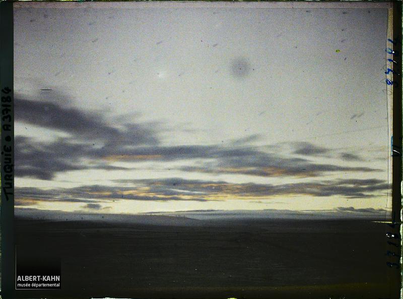 https://opendata.hauts-de-seine.fr/api/datasets/1.0/archives-de-la-planete/images/de3c6939a9baa79756a9262f48086956