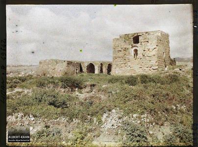 Syrie, Byblos, La Tour. Tours renforçant les remparts de la ville médiévale