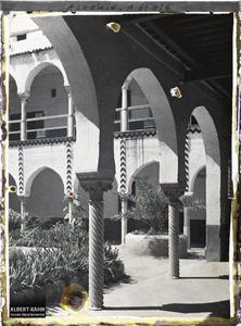Algérie, Alger, La Casbah - Arcades de la cour.Les arcades de la cour du palais des deys à la Casbah