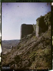 France, Najac, Contrefort du Château.