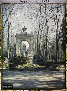 Italie, Rome, Monument dans la villa Borghèse.Monument dans la villa Borghèse