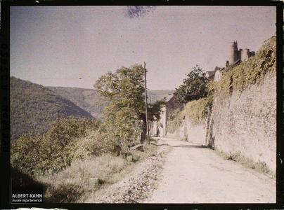 France, Najac, Sortie de Najac par la route de La Fouillade à Villefranche