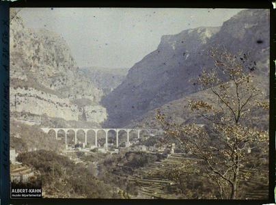 France , Le Loup , Gorges du Loup , vue de la Vallée , au fond, le Viaduc