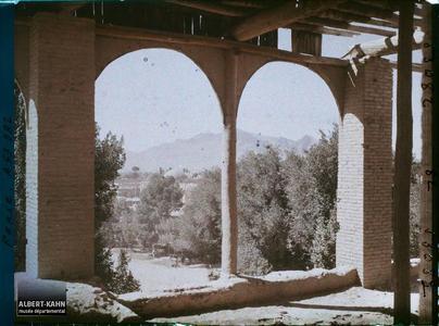 Perse, Ispahan, Vue vers les Montagnes de Djoulfa.Vue vers Djolfa (faubourg arménien d'Ispahan, vers le sud)