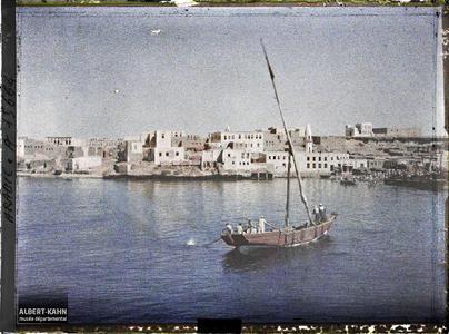Arabie, El-Ouedj, El-Ouedj, près de la rade. La ville depuis la mer Rouge