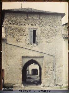 France, Tarascon, Une vieille porte (1778).Une vieille porte