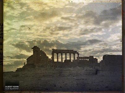 Syrie, Palmyre, Ensemble du Temple du Soleil au jour naissant.Ensemble du Sanctuaire du Dieu Bêl (esplanade et temple)