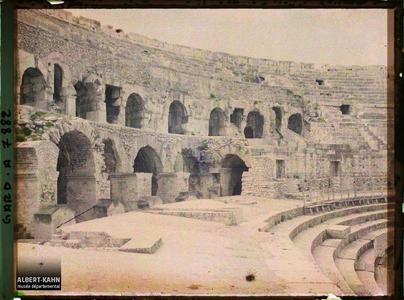 France, Nîmes, Intérieur des Arènes