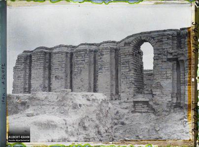 Irak, Ur, Façade Nord du Temple de E-Dublal-mah.Façade nord du temple E-Dublal-Mah (portes en ogives des XV, XIVe siècles avant J.-C. ou premier millénaire avant J.-C.)