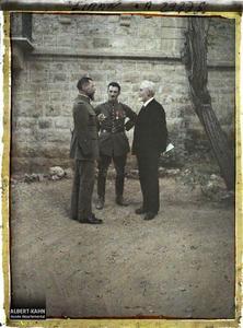 Syrie, Aley, Le Général Gouraud causant avec le Professeur Brunhes. Le général Gouraud causant avec le professeur Brunhes