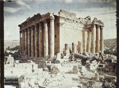 Syrie, Balbeck, Ensemble nord ouest du Temple de Bacchus.Vue Nord-ouest du Temple dit de Bacchus