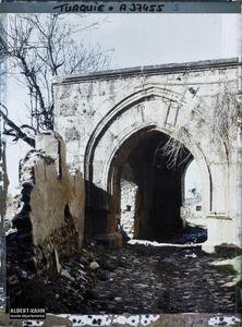 Turquie, Aidin, Porte extérieure de la Mosquée Djihan. Porte extérieure de la Grande Mosquée (vers Camii) (?)