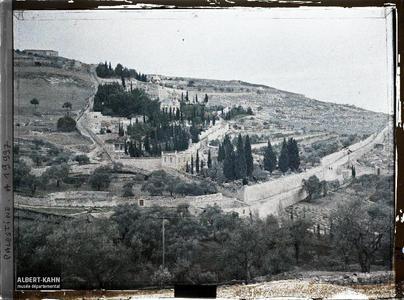 Palestine, Jérusalem, La Montagne des Oliviers et Eglise Russe. Église russe Sainte Marie-Madeleine