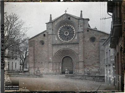 Espagne, Avila, Façade romane de S. Pedro (grès rouge et granite gris).