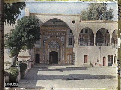 Syrie, Bet-Edin, Entrée du Palais dans la cour. Palais de l'émir Bachir Chihab : portail du Dar El-harim depuis la cour du Dar El-wousta
