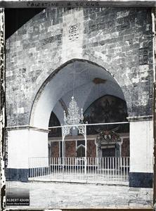 Syrie, Jérusalem, Cour du Couvent arménien de St Jacques. Cour du couvent arménien de Saint-Jacques