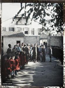 Syrie, Mersina, Le Général Gouraud à l'Ecole Arménienne. Visite d'une école arménienne par le général Gouraud