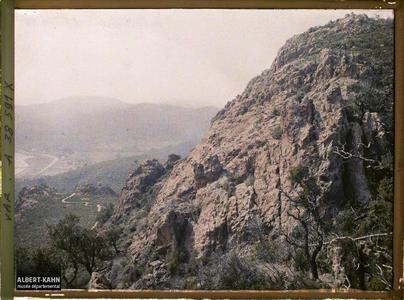 France, Agay, Montagnes de l'Estérel à Agay (Aiguille du Pic d'Aurelle). Montagnes de l'Estérel : Aiguille du Pic d'Aurelle