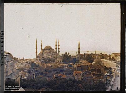 Turquie, Stamboul, Mosquée Ahmed Djami. Panorama vers la Sultan Ahmet Camii («mosquée du Sultan Ahmet» ) dite «mosquée Bleue»