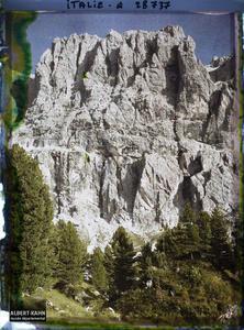 Tyrol, Wolkenstein, Col du Groedner, Soleil couchant sur les parois de la Sella.La chaine de la Sella (Groupo di Sella ou Sellagruppe) depuis le col du Grödner (Grödner Joch ou passo Gardena)