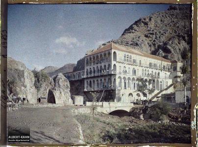 Syrie, Zahlé, Grand bâtiment occupé par les alpins. Immeuble occupé par des chasseurs alpins français