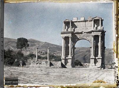 Algérie, Djemila, Arc de triomphe de Caracalla.