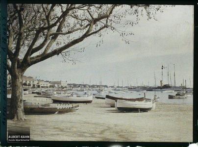 France, Cannes, Vue sur le port, côté Est