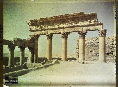 Syrie, Palmyre, Temple du Soleil, Colonnade Ouest.Colonnade occidentale du Temple de Bêl