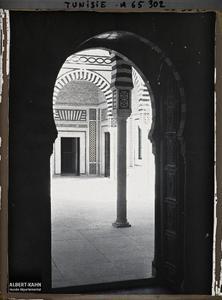 Tunisie, Tunis, Palais du Dar-el-bey- le patio. Le patio du palais beylical Dar-el-Bey dans la médina