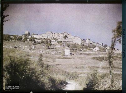 France, Cordes (Tarn), Aspect Ouest de Cordes et les remparts.
