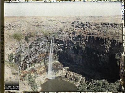 Syrie, Tell-Es-Shehab, Vallée du Yarmouk. Cascade du Djilline