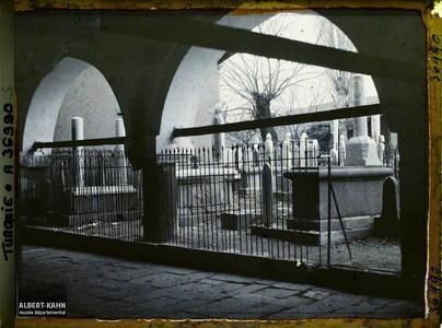 Turquie, Angora, Cimetière dans la Cour de la Mosquée. Cimetière de la mosquée Haci Bayram