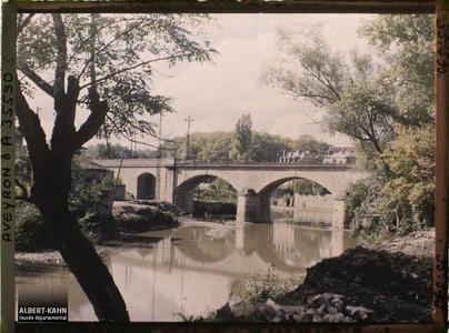 France, Villefranche de Rouergue (Aveyron), Vue sur l'Aveyron