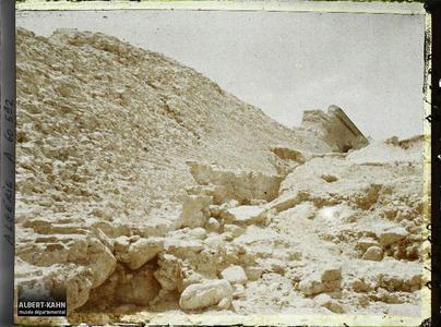Algérie, Barrage de l'Habra, Barrage de l'Habra en aval du Confluent Le barrage rompu, partie Ouest. Barrage de l'Habra , la base du mur, dans la partie ouest, au niveau de la brèche survenue lors de la catastrophe de 1927