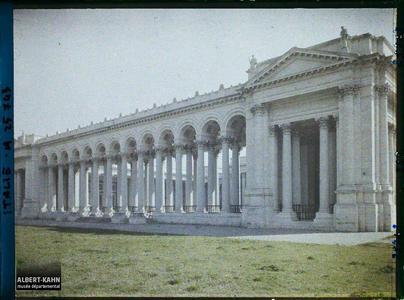 Italie, Rome, Colonnade de St Paul.Basilique Saint-Paul-hors-les Murs, colonnade