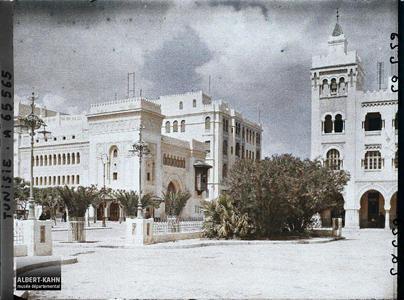 Tunisie, Sfax, L'Ave Jules Gau et le théâtre. L'avenue Jules Gau et le théâtre
