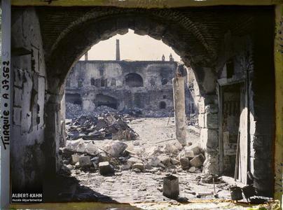 Turquie, Smyrne, Quartier Arménien, Ruine d'un grand Kahn