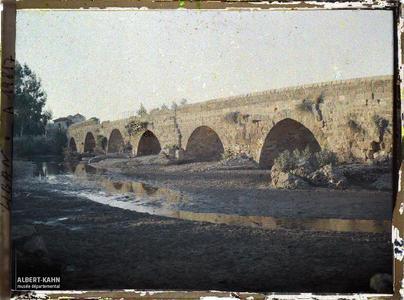 Syrie, Beyrouth, Frontière du Liban, le grand pont. Un pont frontalier
