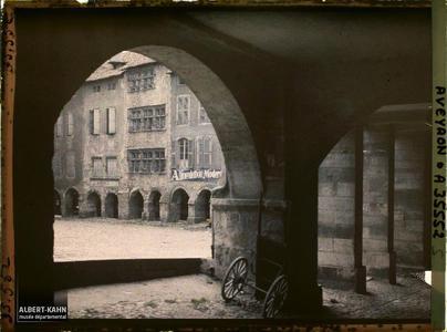France, Villefranche de Rouergue (Aveyron), Arcades Alphonse de Poitiers, maison Renaissance