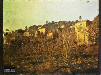 Syrie, Broumanah, Eparpillement des maisons du village. Une partie du village
