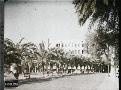 Tunisie, Sfax, Place Jérome Fidelle. La place Jérôme-Fidelle