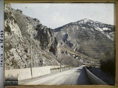 Italie, Tenda, Aspect de la route vers Fontan. Route menant vers Fontan