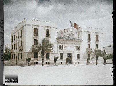 Tunisie, Sfax, Hôtel de la Cie des phosphates et du Ch. de fer de Gafsa. Le bâtiment de la Compagnie des Phosphates et du Chemin de fer Sfax-Gafsa
