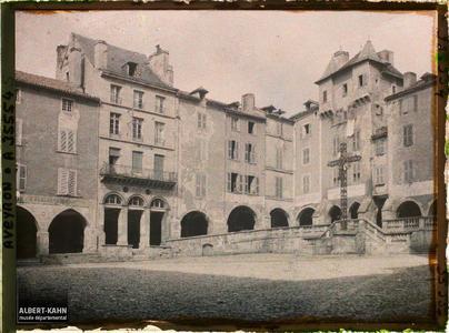 France, Villefranche de Rouergue (Aveyron), Place Notre Dame