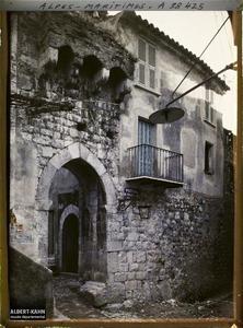 France, La Turbie, Portail du réduit de la Tour (XIIIe Se)
