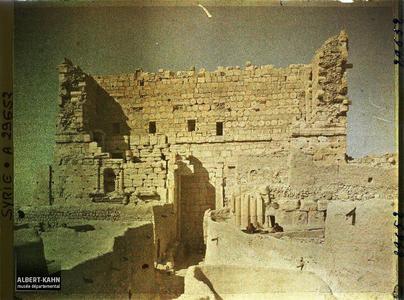 Syrie, Palmyre, Temple du Soleil, entrée Ouest. Entrée occidentale du temple de Bêl
