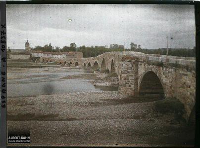 Espagne, de Léon à Astorga, Le Pont de l'Orbigo vue de la rive gauche en aval..