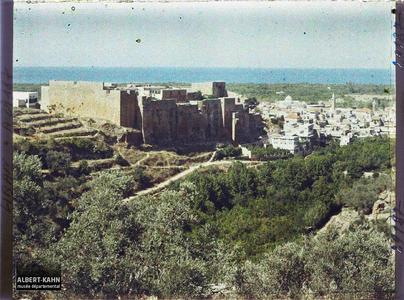 Syrie, Tripoli, Panorama de Tripoli et Château des Croisés. Le Château de Saint-Gilles