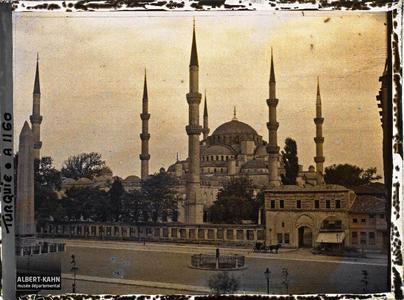 Turquie, Stamboul, Mosquée Ahmed Djami. La place At Meydani et la Sultan Ahmet Camii (« mosquée Bleue » )